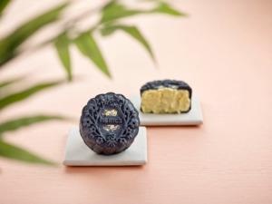 Snow-Skin Premium Top Grade Durian Mooncake