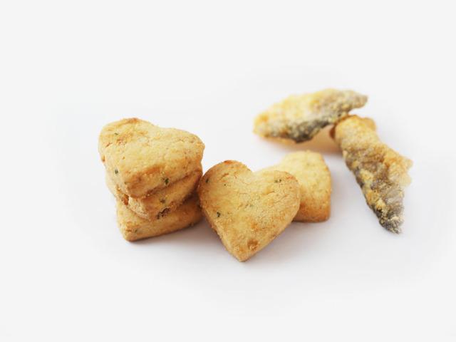 Salted Egg Crispy Fish Skin Cookies